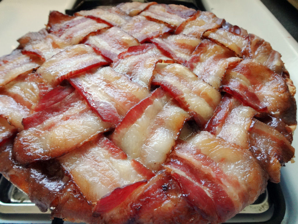 Bacon Week: Bacon Apple Pie -spatialdrift
