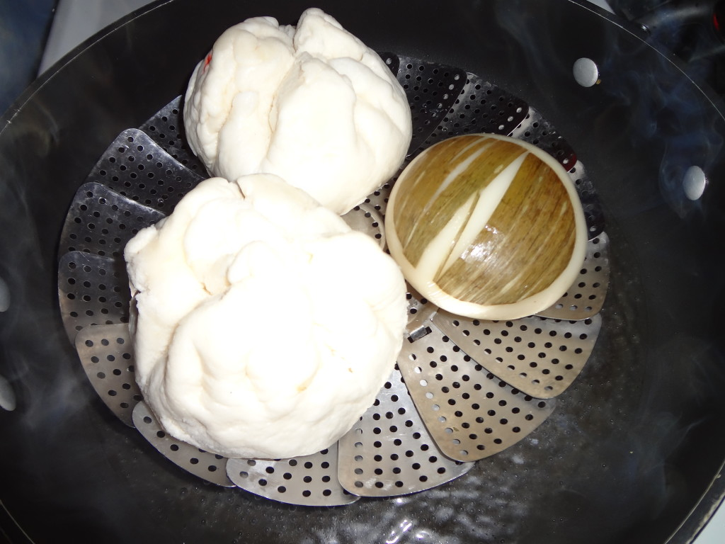Buns and Glutinous rice cake steaming