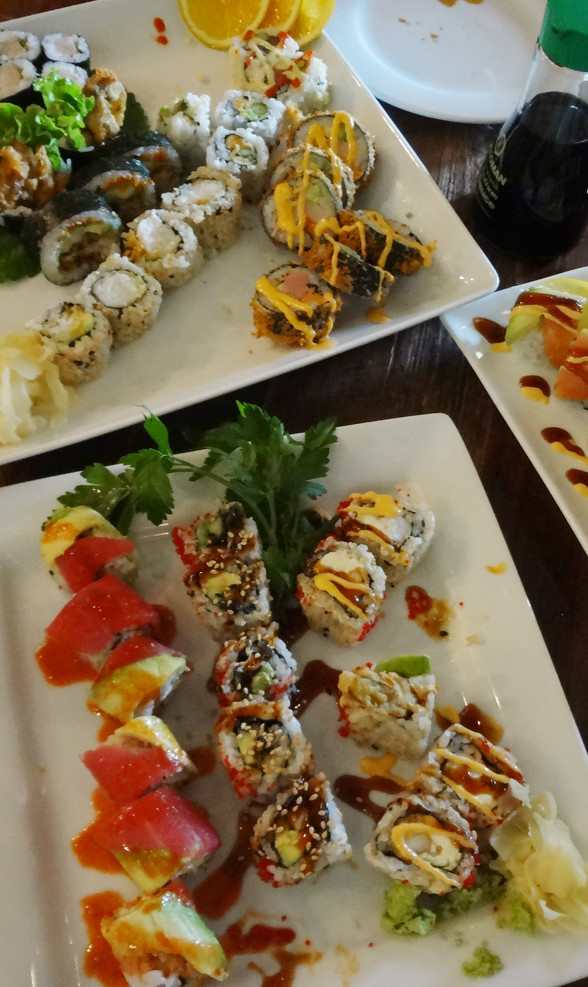 Bua Thai and Sushi