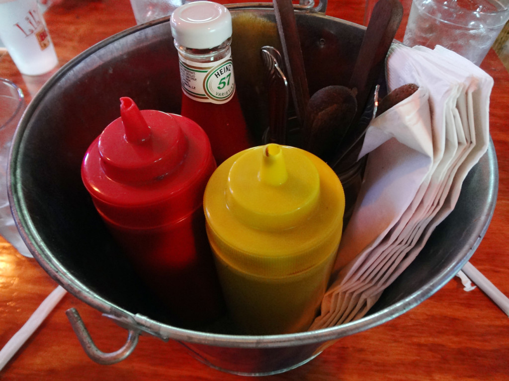 Hottie Hawgs condiment caddy