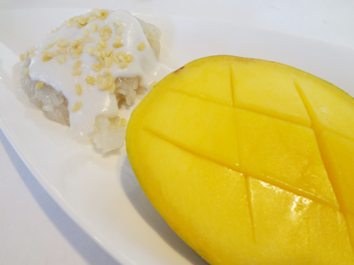 Fuji Hana Sweet sticky rice with mango