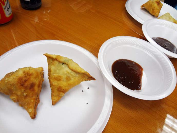 Samosas with dipping sauce