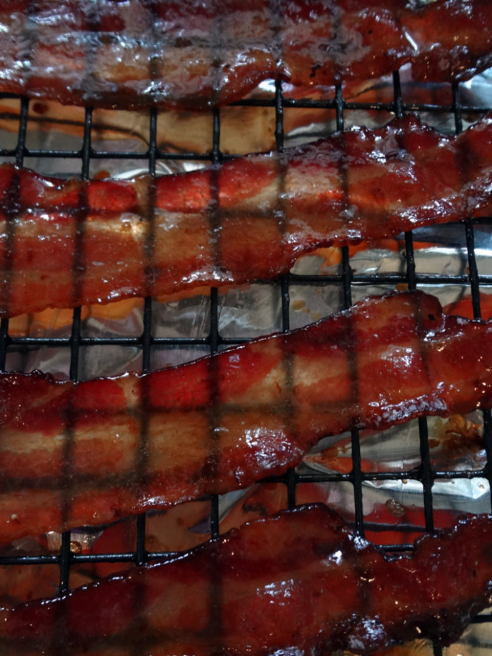 Beer-candied bacon food porn