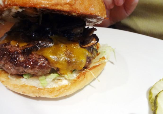 """Zinburger's """"Kobe"""" Burger"""
