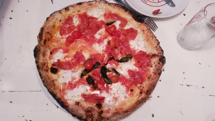 King of Napoli - Plum tomatoes (Antichi pomodori di Napoli) , mozzarella, Vesuvian tomato, hot salami, extra virgin olive oil, pecorino romano