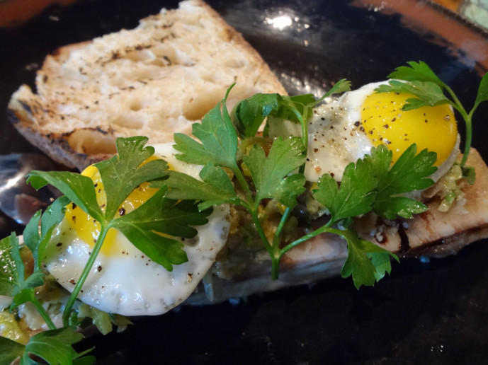 bone marrow with tuna tartare & eggs