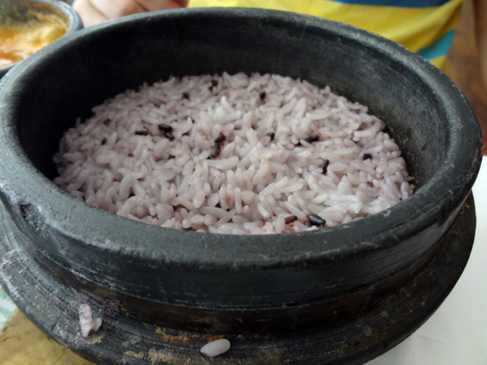 Purple rice in stone-pot at Cho Dang