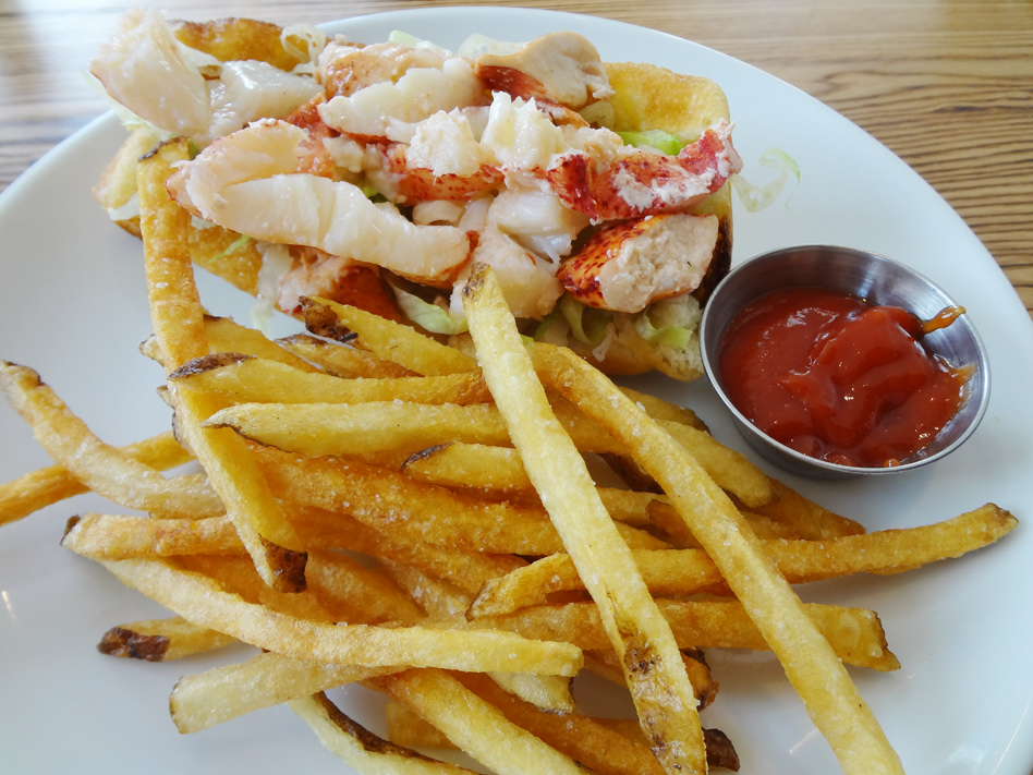 lobster roll - tomalley mayo | drawn butter