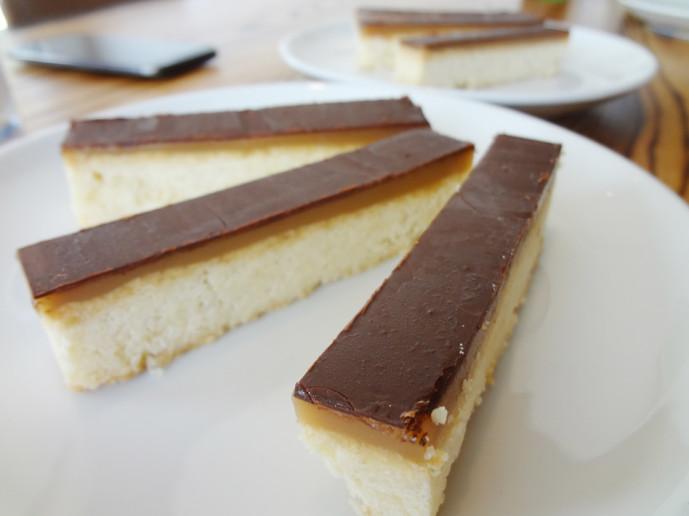 millionaire shortbread - caramel | valrona