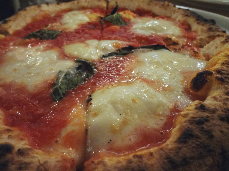 Neapolitan pizza DOC at Ribalta